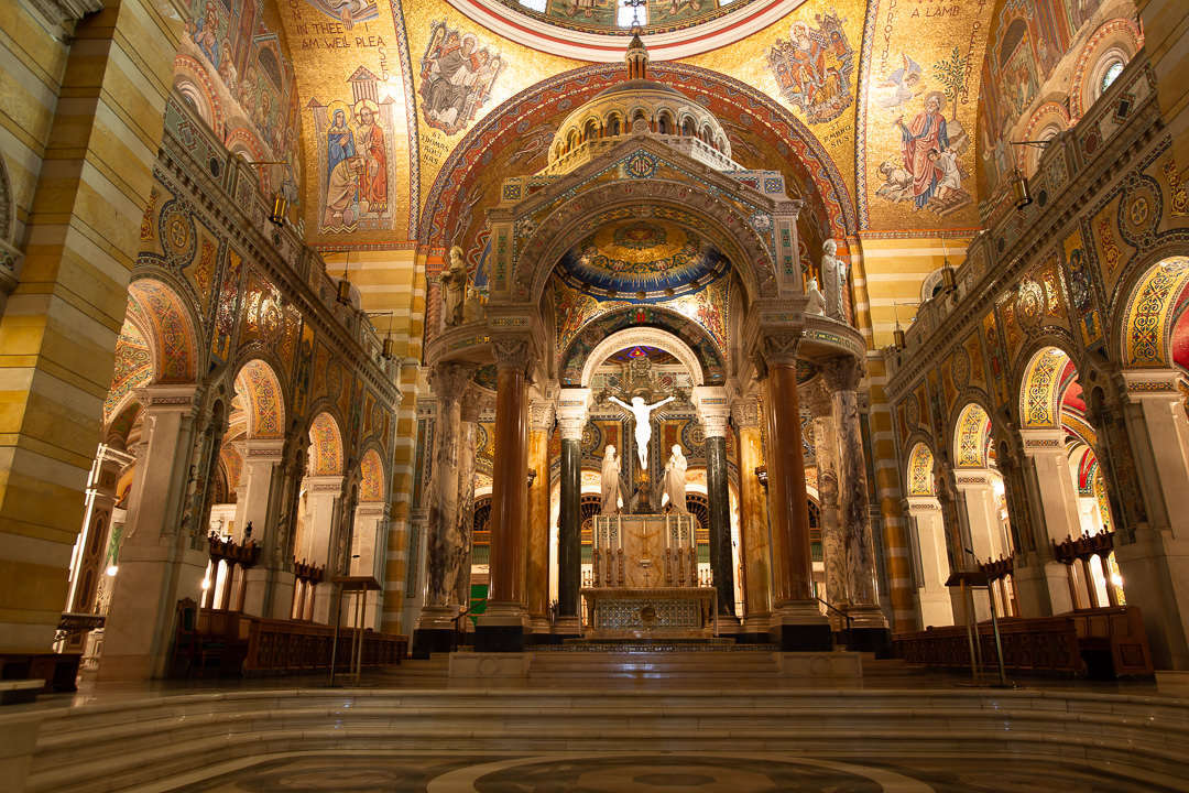 Cathedral Basilica of Saint Louis Altar View