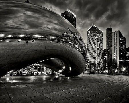 Cloud Gate sculpture by Indian-born British artist Sir Anish Kapoor